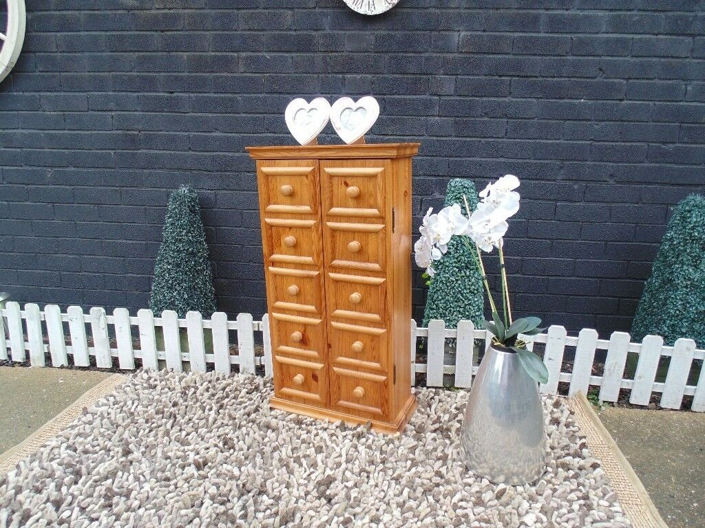 SOLID PINE FARMHOUSE CUPBOARD ALL SOLID WITH 2 DOORS AND 4 SHELVES AND IT'S IN EXCELLENT CONDITION