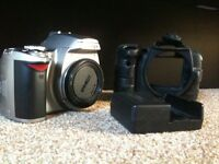 Nikon D40 with battery and charger