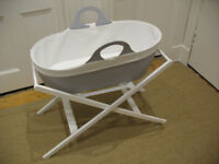 Stylish and modern moses basket (Moba brand) with stand in Dove Grey/white.