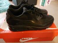 Nike air max 90 triple black size 8