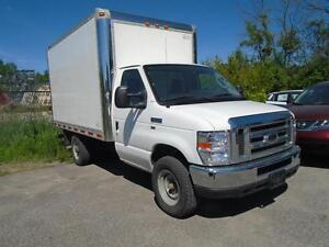 2012 Ford E350 12FT SUPERDUTY