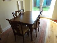 Dining table and 6 chairs good condition