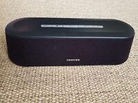 Toshiba Mini Sound Bar SBM1W / Powered Speakers