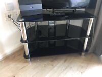 Glass coffee table and glass tv stand , good condition, few little scratches hardly noticeable
