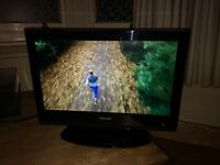 "Toshiba 19"" TV & stand, remote control. Model 19AV615DB"