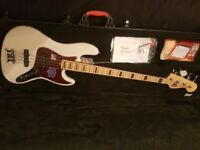 2013 USA Fender Deluxe Jazz Bass w/ Case.