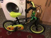 """Kids bike 14"""" inch wheels (like new)"""