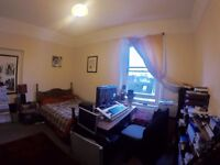 Lovely double room in Hove houseshare £410pcm plus bills, April 2017