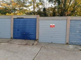 Spacious garage for rent
