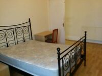 Double Bedrooms Available IMMEDIATLY, Queenspark