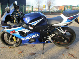 Suzuki GSXR 600 K5 Yoshimura s/steel exhaust, shorty levers, crash bungs,cotton reels, tail tidy.