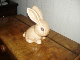 sylvac,large bunny rabbit buterscotch colour original 1930s/50s