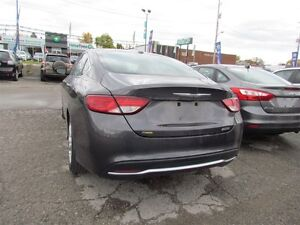 2016 Chrysler 200 Limited | ONE OWNER | HEATED SEATS | SAT RADIO London Ontario image 5