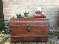 GENUINE VINTAGE TRUNK CHEST FREE DELIVERY COFFEE BOX COFFEE TABLE 🇬🇧