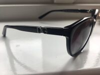Ladies genuine D&G sunglasses