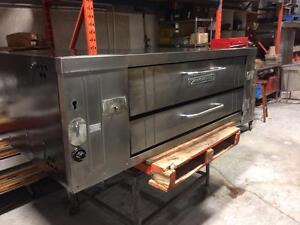 Four a Pizza Bakers Pride Y600 Pizza Oven