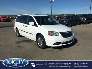 2016 Chrysler Town  Country Touring, Leather, Backup Cam, DVD