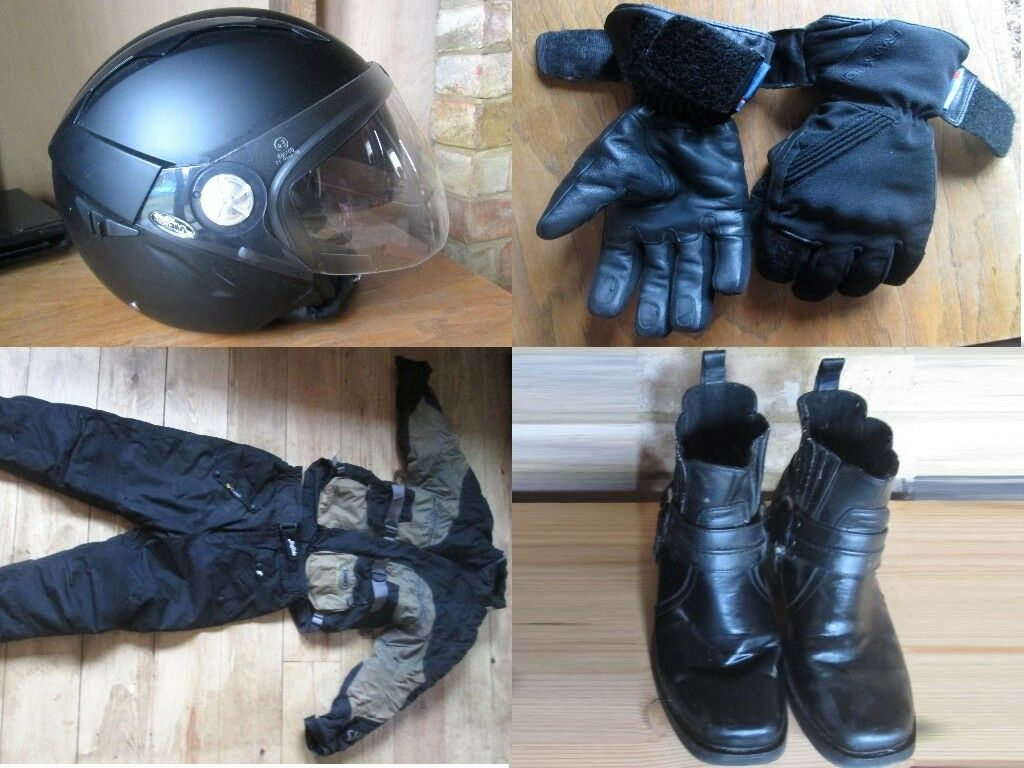 Motorbike helmet - Jacket - Pants - Gloves - Boots size 7 - All Adult Size Small