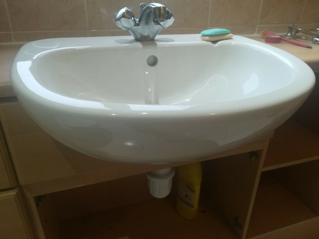 Old English White Idea Tulip Wash Hand Basin Single Tap Popup Waste