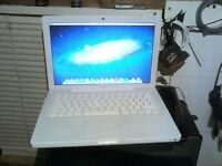 Macbook 13.3' Apple laptop