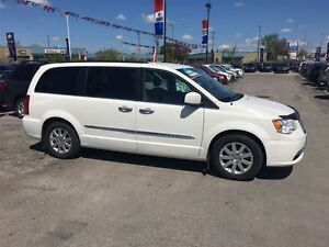 2011 Chrysler Town & Country Touring * LEATHER * CAM * HTD PWR S London Ontario image 2