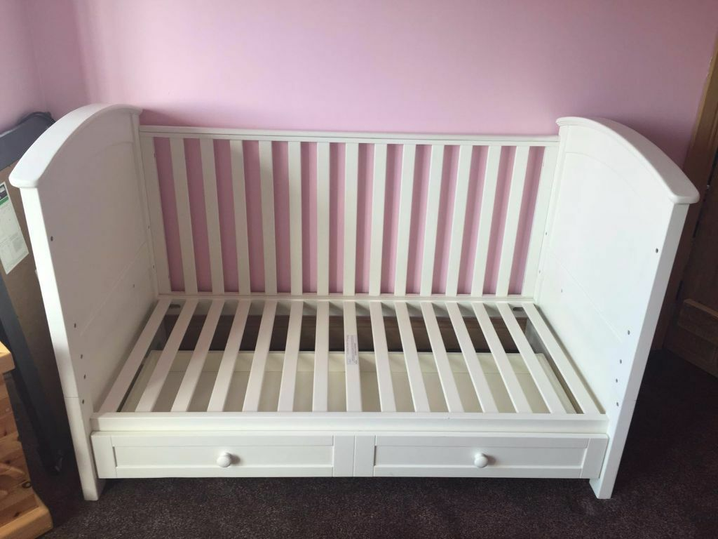 Rocking crib for sale doncaster - Silver Cross Cot Renaissance Cot Toddler Bed Matching Silver Cross Dresser