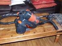 VACUUM CLEANER VAX MACH 8 CLEANED INSIDE AND OUT READY TO USE COLLECTION ONLY PLEASE