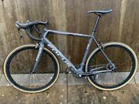 Focus carbon road bike (L) with custom Wheelset