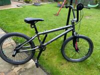 Boys stunt bike in excellent condition