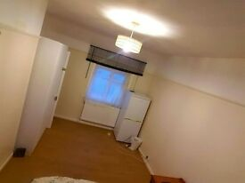 Beautiful Large Double Room To Let