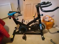 Pro fitness spinning bike