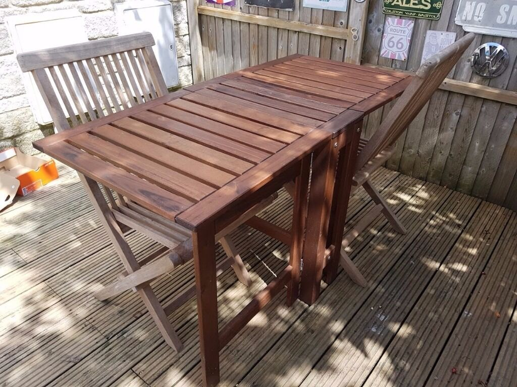 Bentley solid wooden furniture only few months old stunning table with too chairs