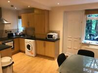 Small double room to let available now