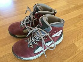 Hi Tec child's/ladies walking boots, size 4.