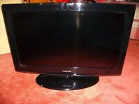 "SAMSUNG LCD 32"" TV - FULLY WORKING, INC STAND & REMOTE"