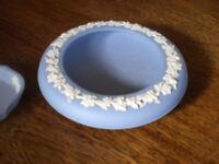 2 x wedgwood jasper blue items. Great condition £5