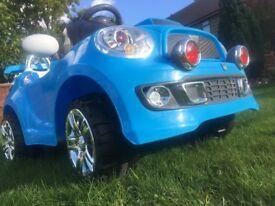 Blue 6V car