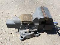 Stanley Heavy Duty Bench Vice 83-067
