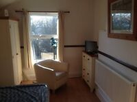 ATTRACTIVE SELF CONTAINED FLAT RECENTLY REFURBISHED B16 0EN NO AGENT FEES