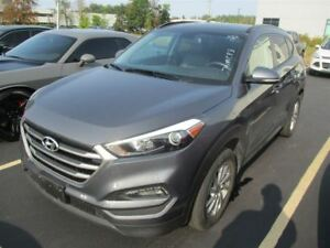 2017 Hyundai Tucson SE AWD! LEATHER! PANORAMIC SUNROOF! HEATED S