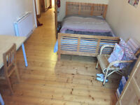 Two bed tenement flat to rent in the West End - near Glasgow Uni