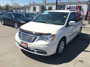 2011 Chrysler Town & Country Touring * LEATHER * CAM * HTD PWR S London Ontario image 5