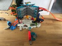 Hot Wheels Ultimate Garage with Shark Bite and Car wash