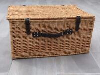 "Large Wicker Hamper 24"" x 16.5"" x 12"""