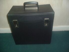 VINTAGE / RETRO BLACK 12.INCH VINYL RECORDS HOLDING CASE-EX