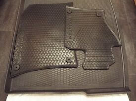 Pair front rubber mats for VW Tourag R-line and boot liner