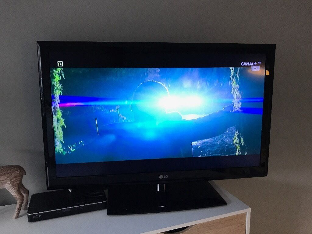 LG 42' TV LCD HD in great condition