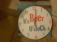 Wall clock batery operated