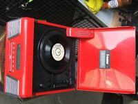 Steepltone record player with radio / cd