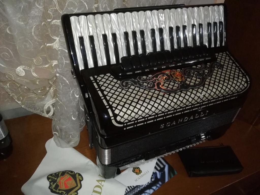 Accordion SCANDALLI SUPER VI new accordion